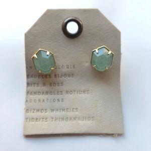 Kendra Scott Taylor stud earrings
